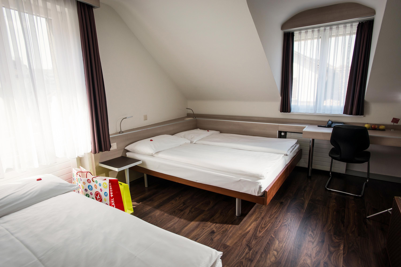 Camera familiare all 39 hotel alexander - Finestre insonorizzate prezzo ...